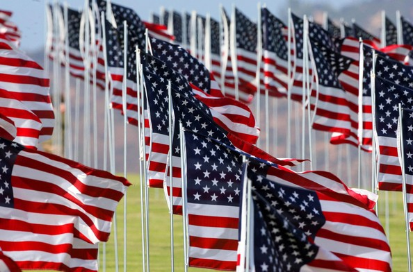 9+11+American+Flag+Tribute+Malibu+zUrYu7-eZdul